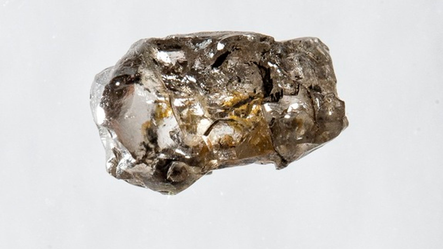 A diamond from Juína, Brazil, containing a water-rich inclusion of the olivine mineral ringwoodite.