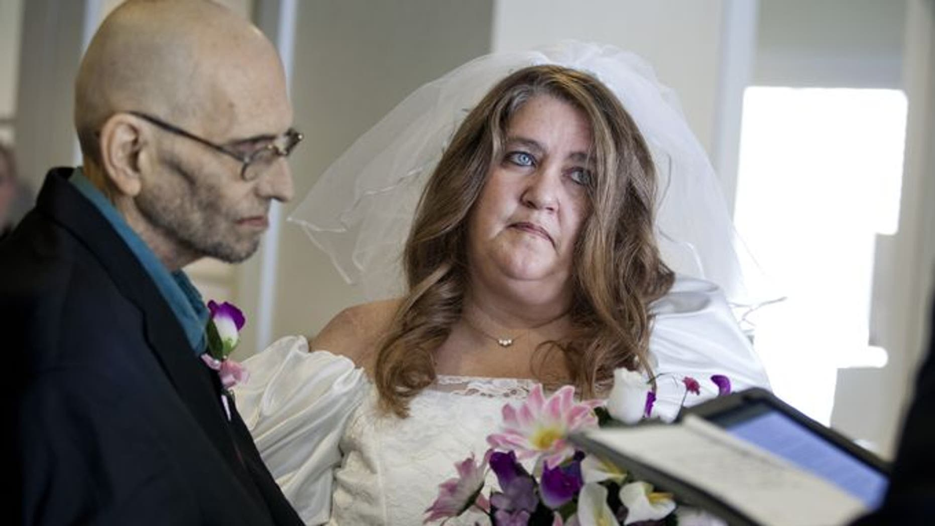 Daniel Robertson marries Leeanna at Blue Water Hospice Home.