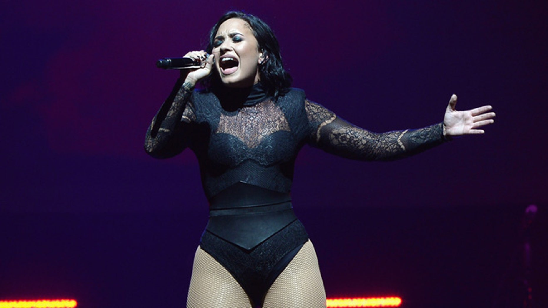 SUNRISE, FL - JULY 01:  Demi Lovato performs at BB&T Center on July 1, 2016 in Sunrise, Florida.  (Photo by Gustavo Caballero/Getty Images)