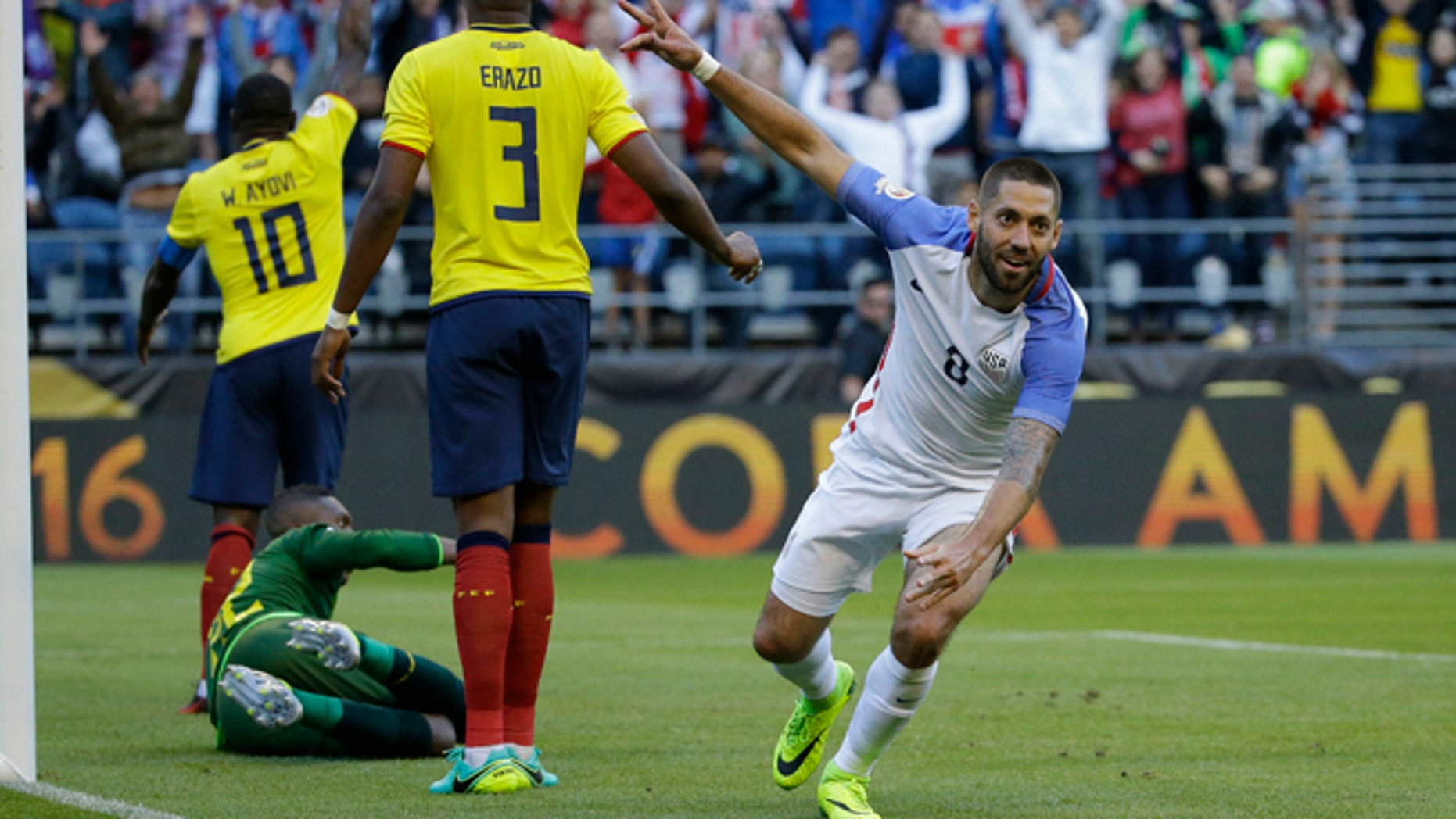 United States' Clint Dempsey , right, celebrates after his teammate Gyasi Zardes scoried against Ecuador during a Copa America Centenario quarterfinal soccer match, Thursday, June 16, 2016 at CenturyLink Field in Seattle. (AP Photo/Ted S. Warren)