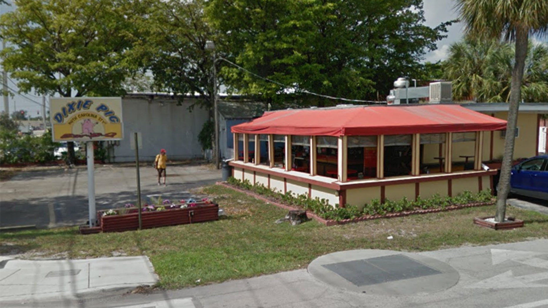 Dixie Pig in Florida was temporarily closed after 14 violations were discovered in the restaurant.