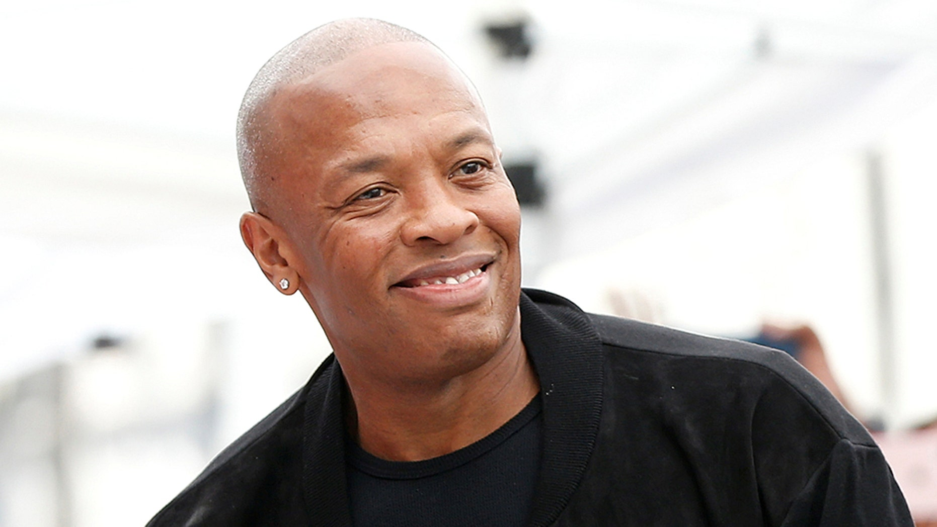 Dr. Dre's show will not make it to Apple.