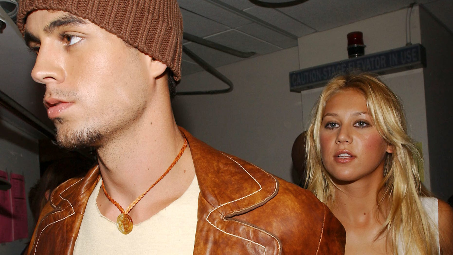 Enrique Iglesias and Anna Kournikova backstage at the 2002 MTV Video Music Awards at Radio City Music Hall in New York City, August 29, 2002. Photo by Frank Micelotta/ImageDirect.