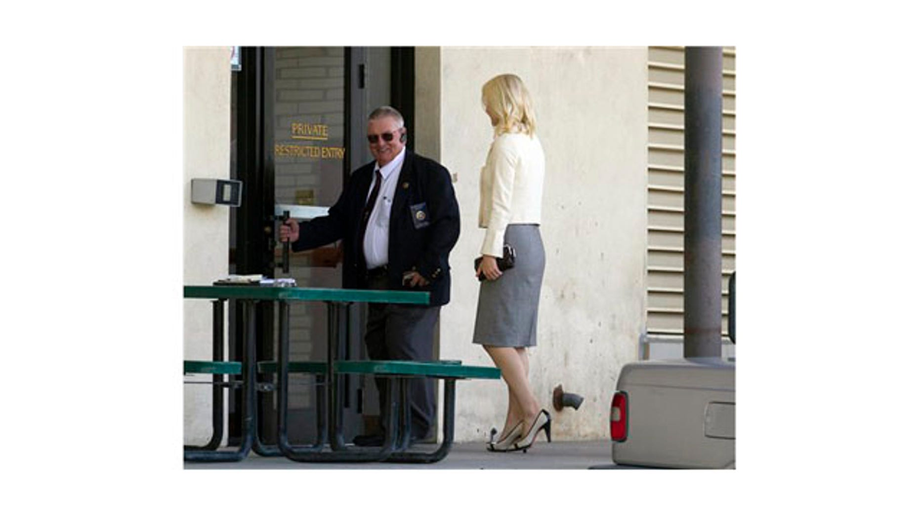 May 25: Elizabeth Smart walks into the Frank E. Moss Federal Courthouse in Salt Lake City.