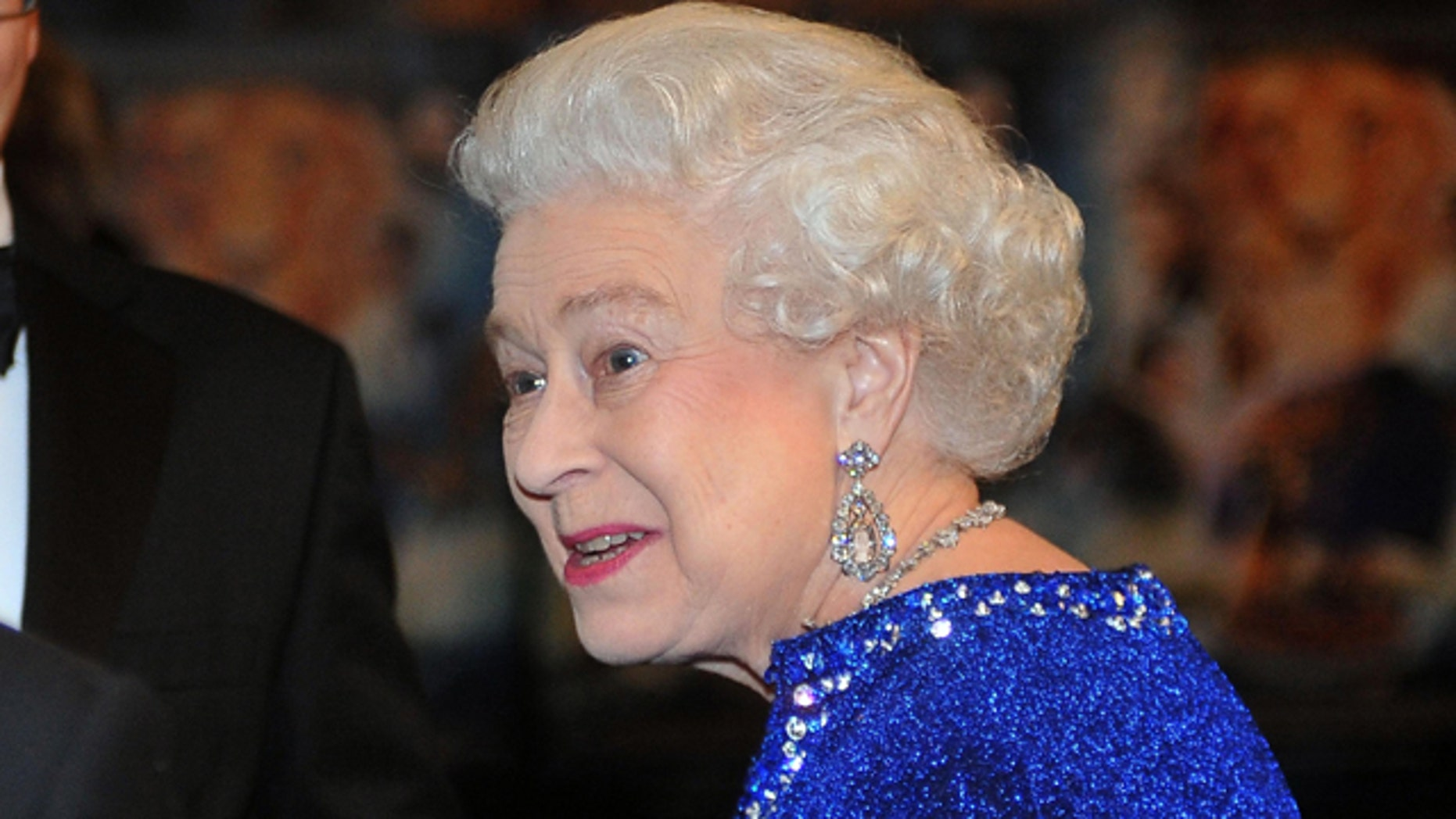 A pair of underwear that reportedly belonged to Queen Elizabeth II is set to wrangle about $9,000 in a Florida auction.