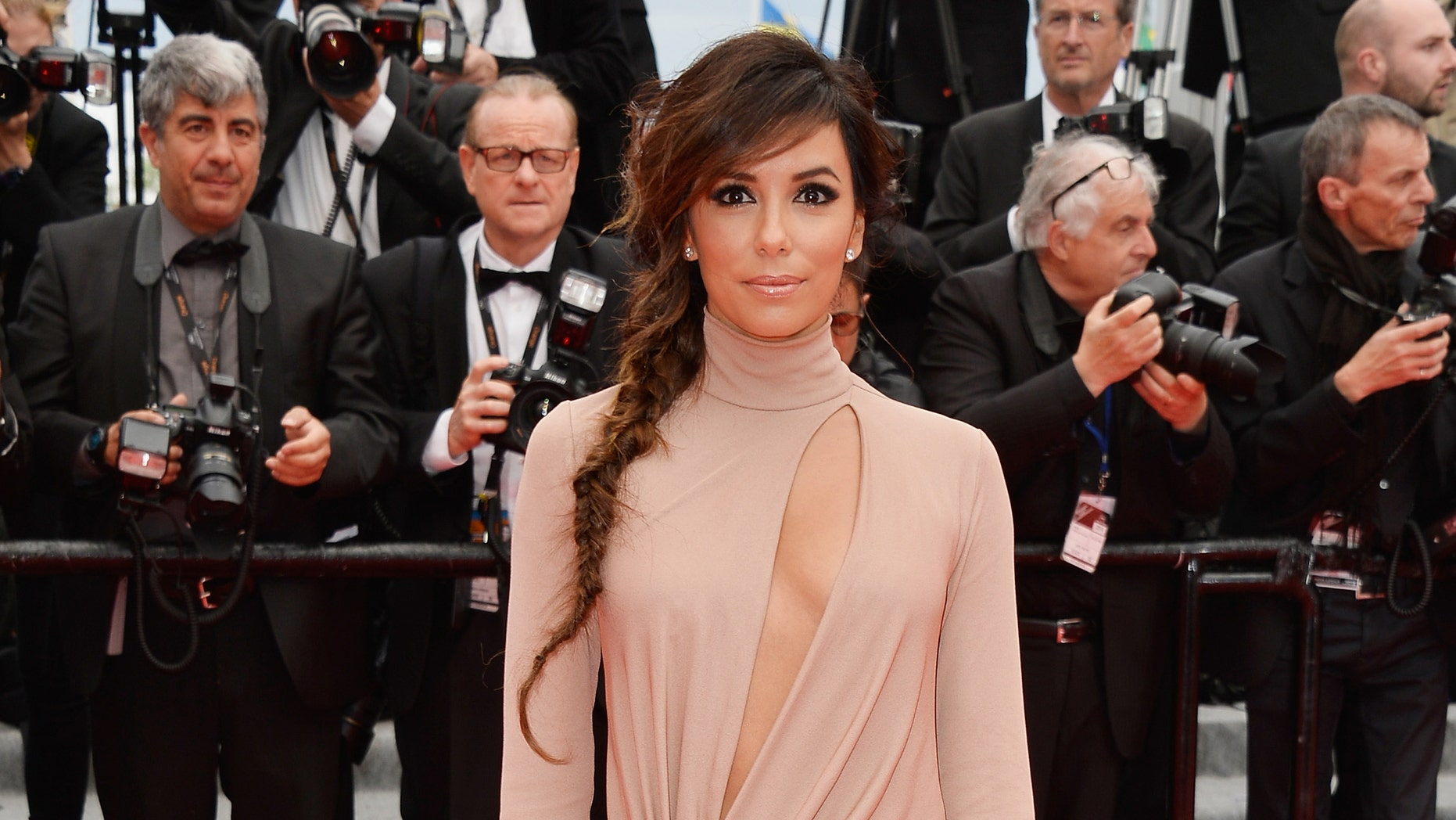 """CANNES, FRANCE - MAY 19:  Eva Longoria attends the """"Foxcatcher"""" premiere during the 67th Annual Cannes Film Festival on May 19, 2014 in Cannes, France.  (Photo by Pascal Le Segretain/Getty Images)"""