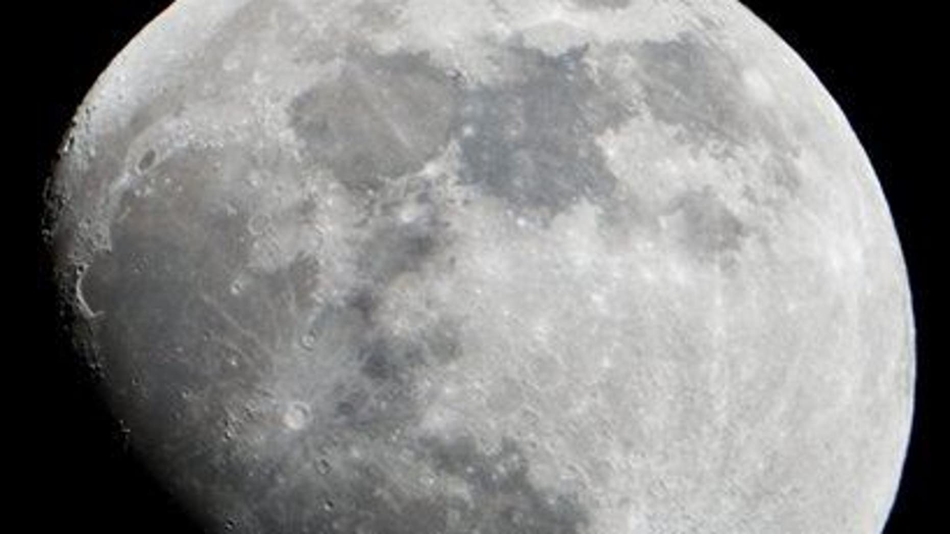 Lunar rocks bolster a long-held theory about how the moon was created.