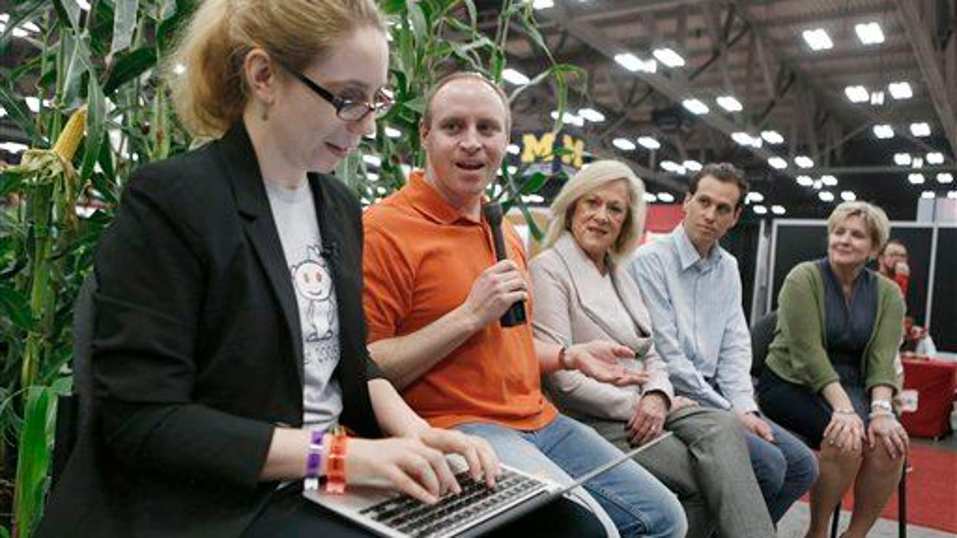 "Victoria Taylor, far left, moderates a live, in-person ""Ask Me Anything"" session on GMOs, Monday, March 16, 2015 in Austin, TX."