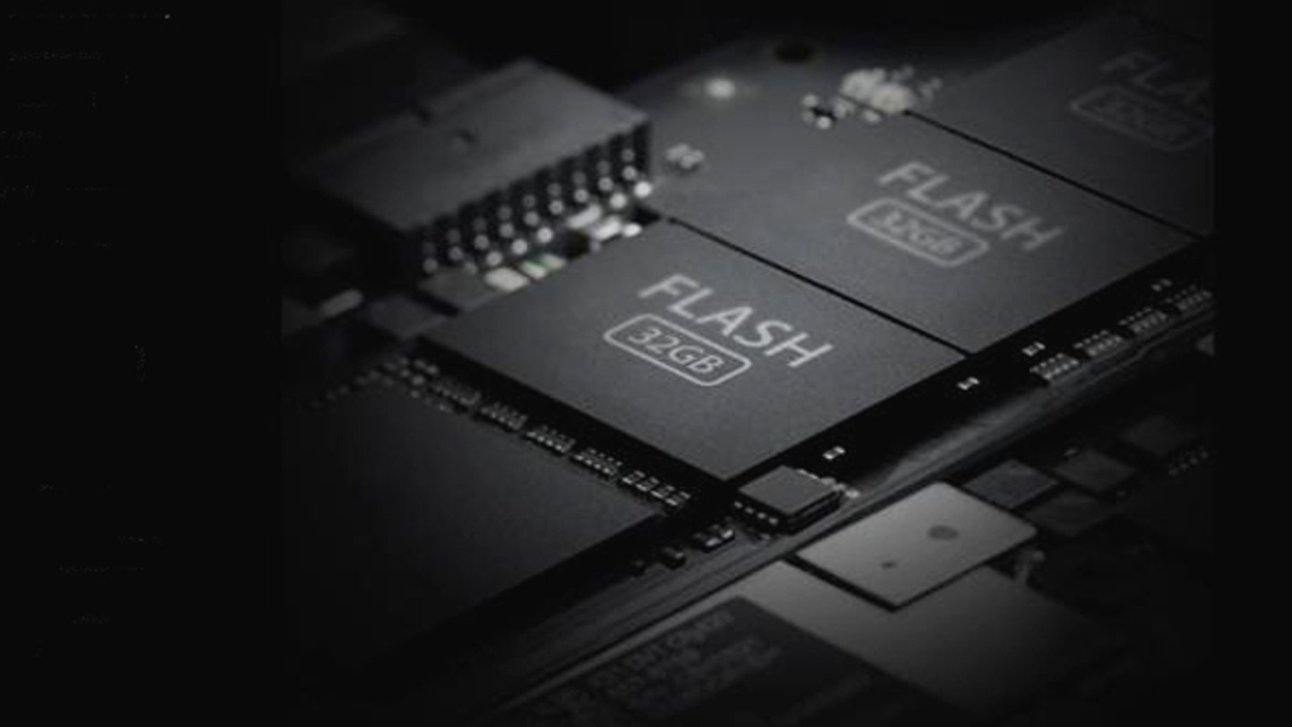 A screen capture of Apple's website highlights the flash memory within the new MacBook Air, chips that allow the laptop to boot in mere seconds.