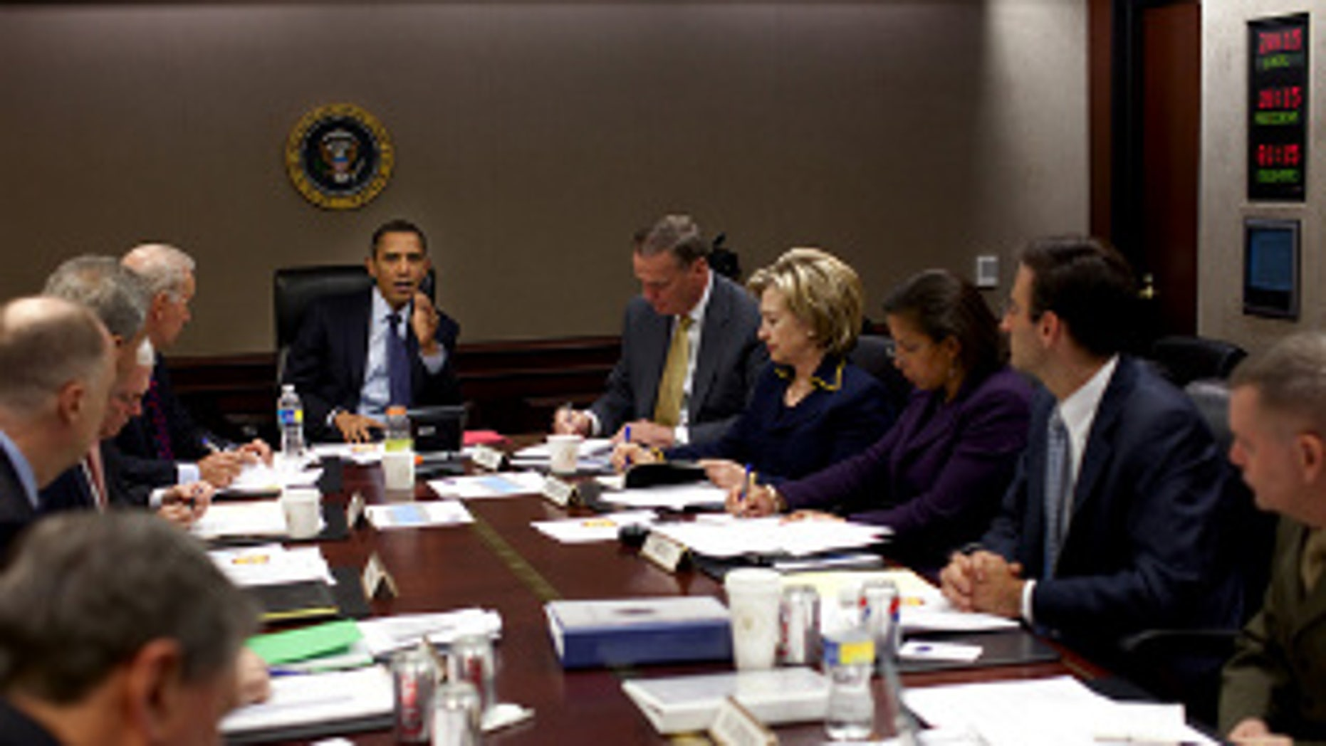 President Obama meets with his national security team to discuss Afghanistan in the Situation Room , Nov. 23, 2009 (WH Photo)