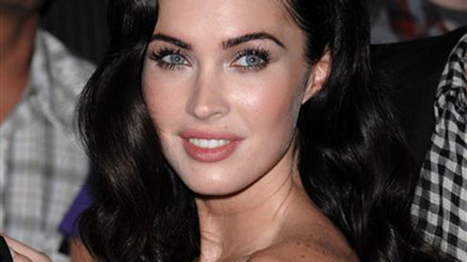 Amanda Seyfried Sex Tape megan fox says she's bisexual, but had problems making out