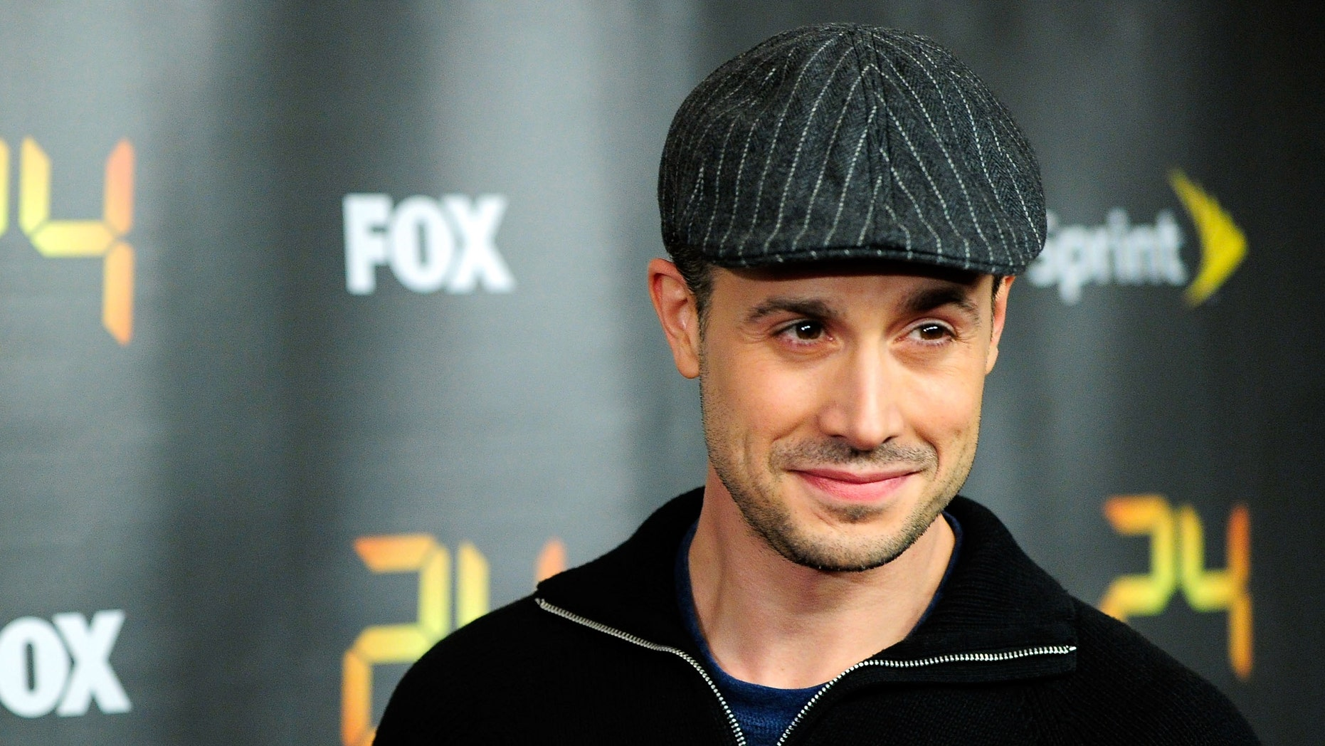 """NEW YORK - JANUARY 14: Actor Freddie Prinze Jr. attends the season premiere for the eighth season of the television series """"24"""" at Jack H. Skirball Center for the Performing Arts on January 14, 2010 in New York, New York. (Photo by Jemal Countess/Getty Images)"""