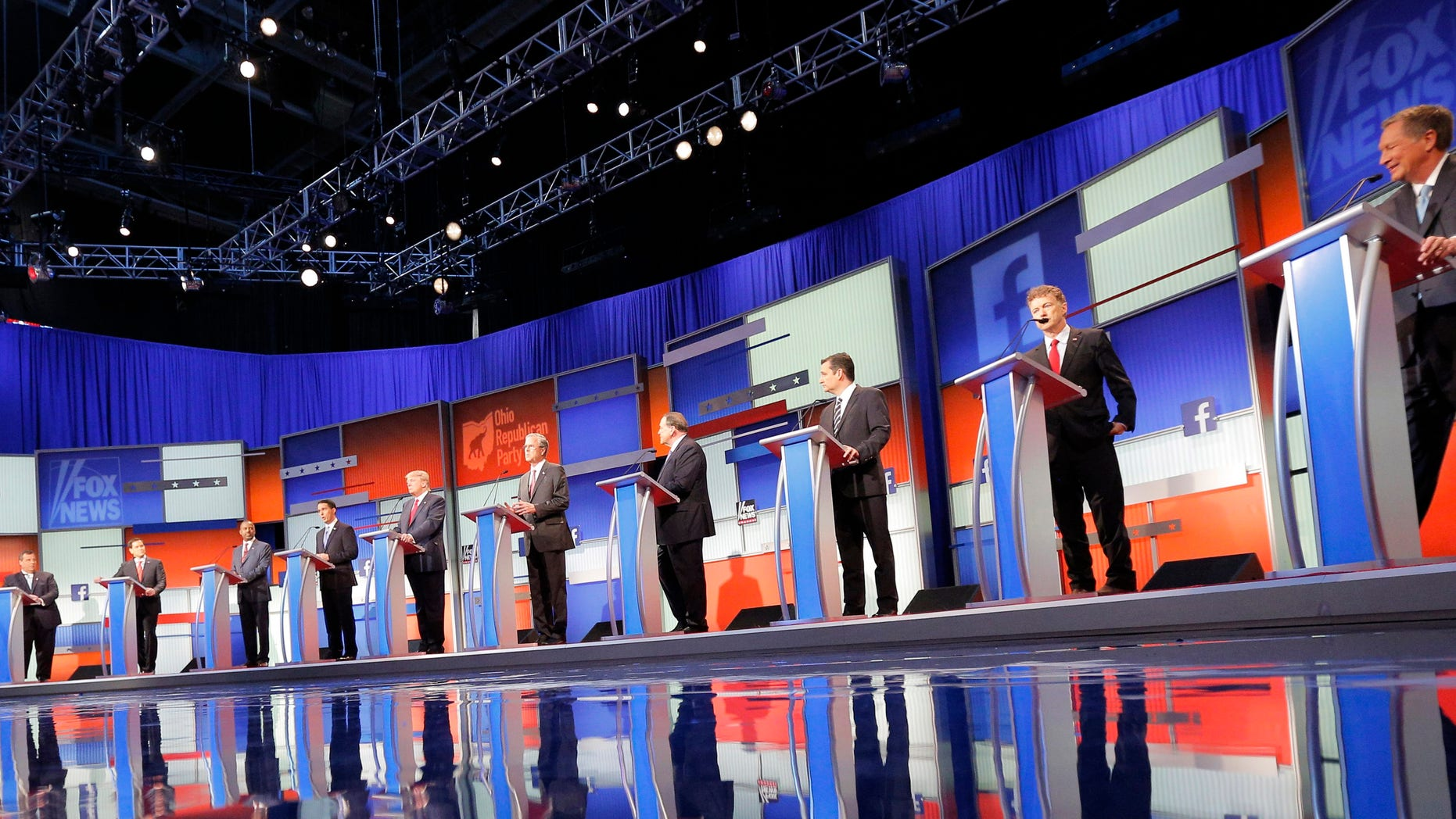 Ten Republican 2016 U.S. presidential candidates debate at the first official Republican presidential candidates debate of the 2016 U.S. presidential campaign in Cleveland, Ohio, August 6, 2015.
