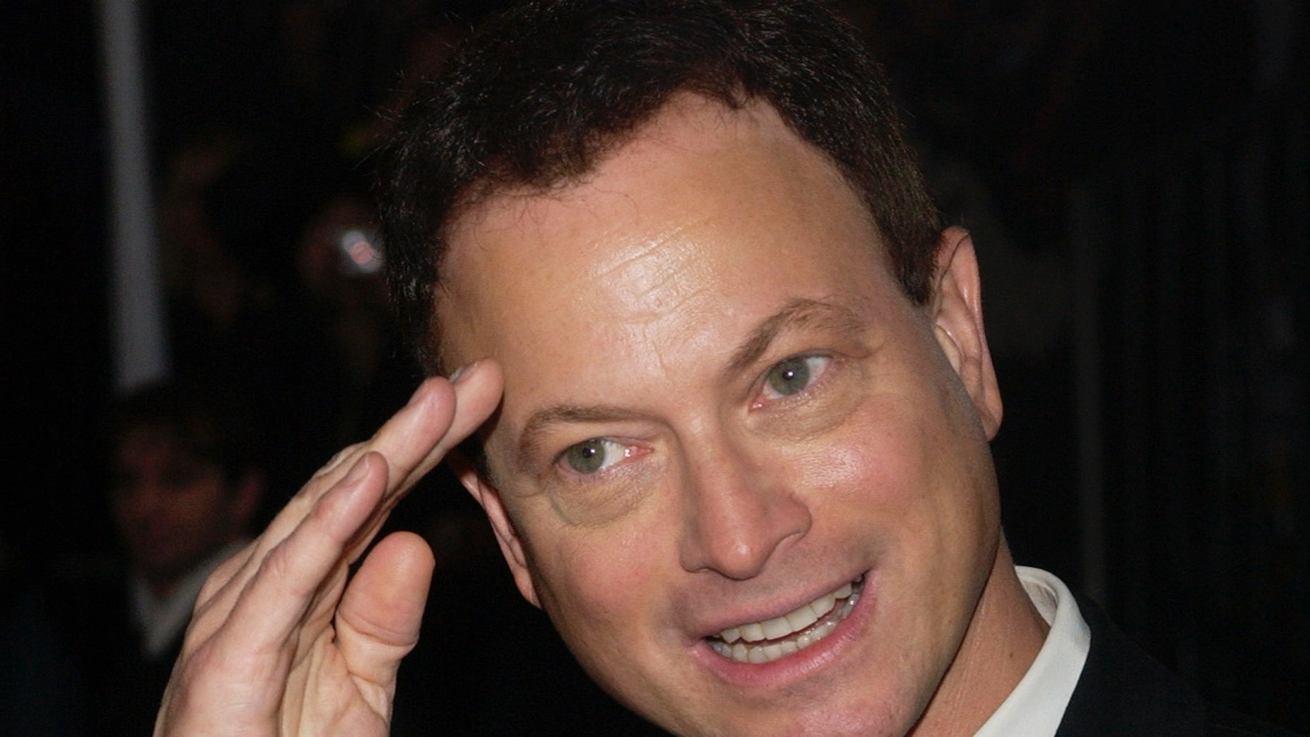 Gary Sinise arrives at the 31st annual People's Choice Awards at the Pasadena Civic Center in Pasadena, California January 9, 2005.