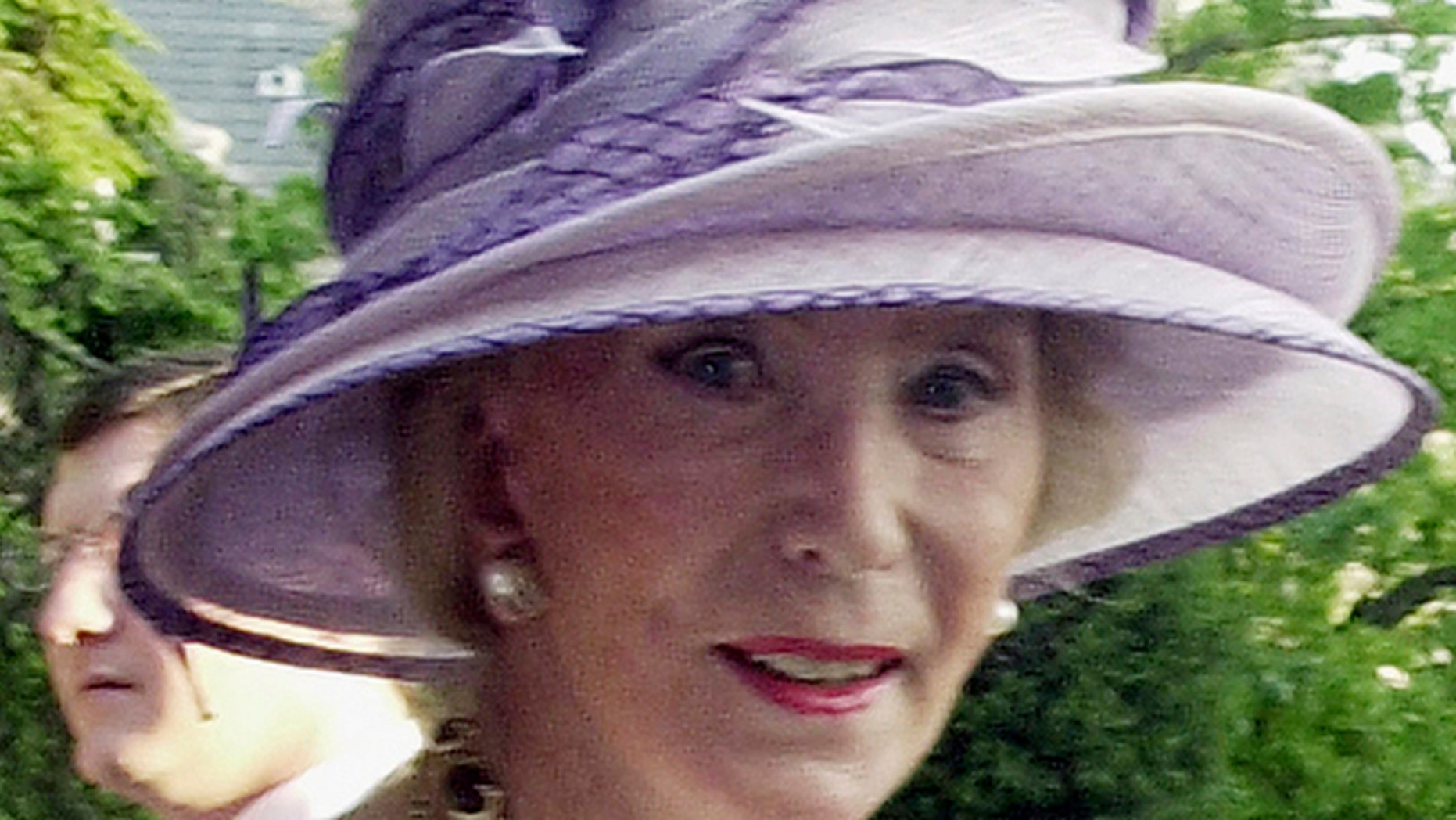 This May 12, 2004 file photo shows German socialite Viola Drath during the annual Woodrow Wilson home garden party and hat contest in Washington.