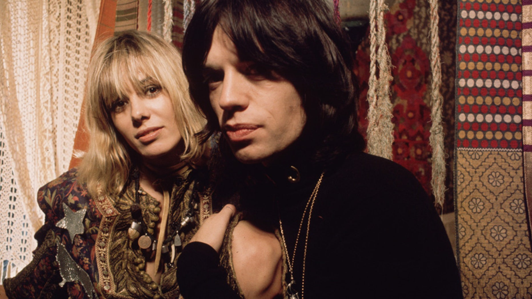 Anita Pallenberg and Mick Jagger playing Pherber and Turner in a scene from 'Performance', co-directed by Nicolas Roeg, 1970.