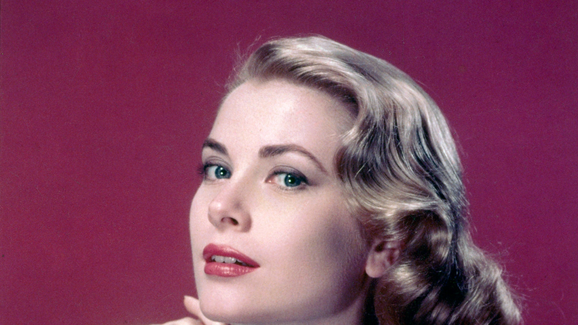 American actress Grace Kelly (1929-1982).