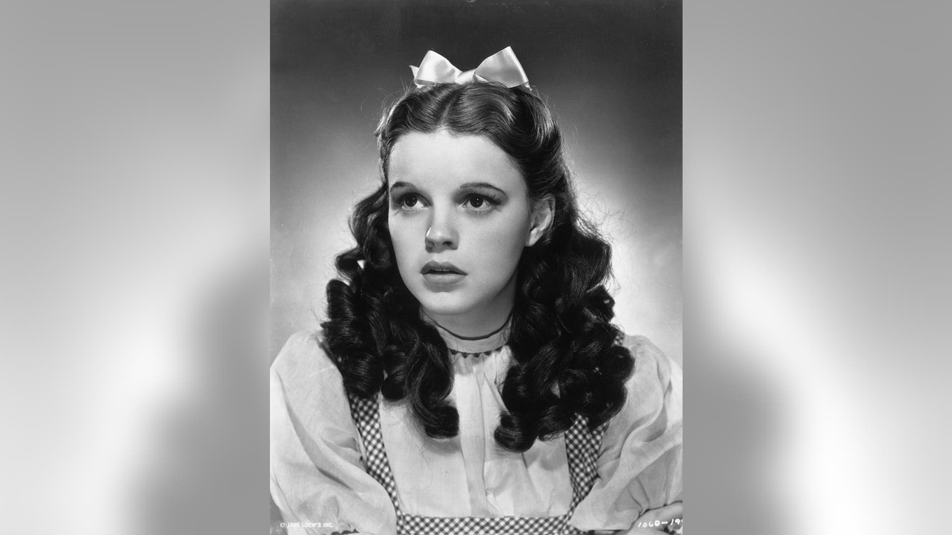Judy Garland was molested by munchkins on  The Wizard of Oz ... 976344494