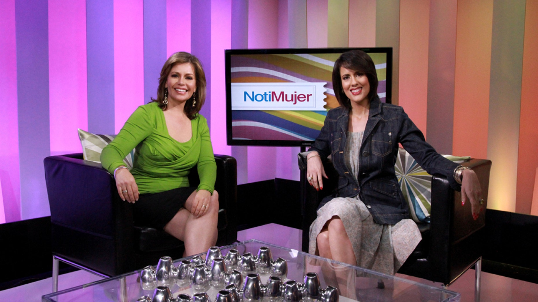 """Glenda Umaña and Mercedes Soler  are hosts of the """"NotiMujer """", which airsdaily on CNN en Español."""