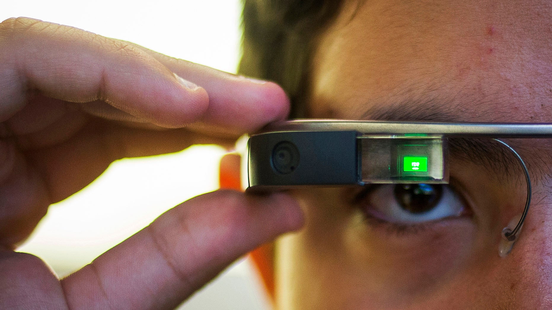 Experts: Why wearable tech could pose health risks | Fox News
