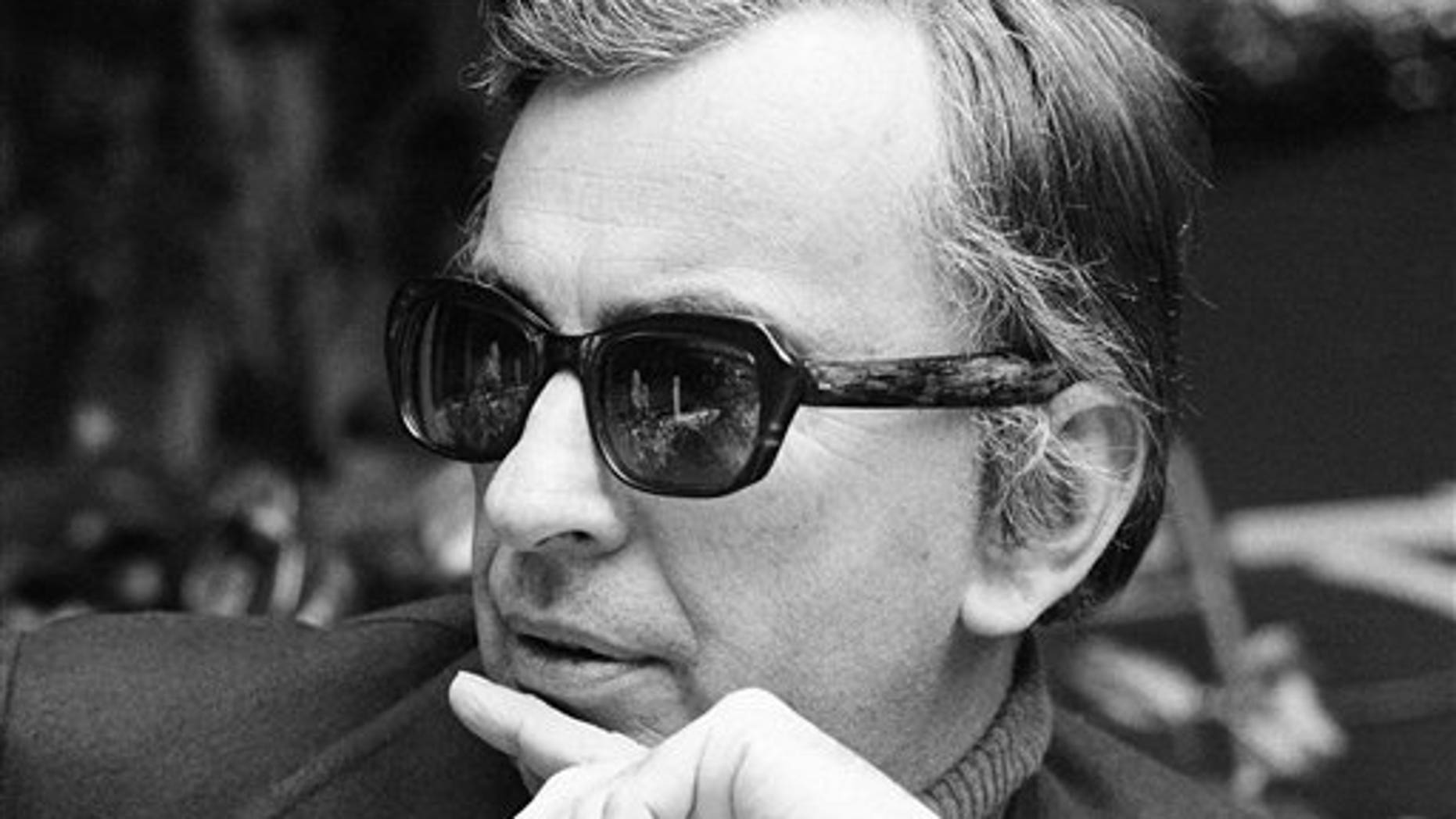 FILE -Author Gore Vidal tosses barbs in all directions as he discusses Hollywood unions, politics, lecturing and publicizing books during an interview in Los Angeles.