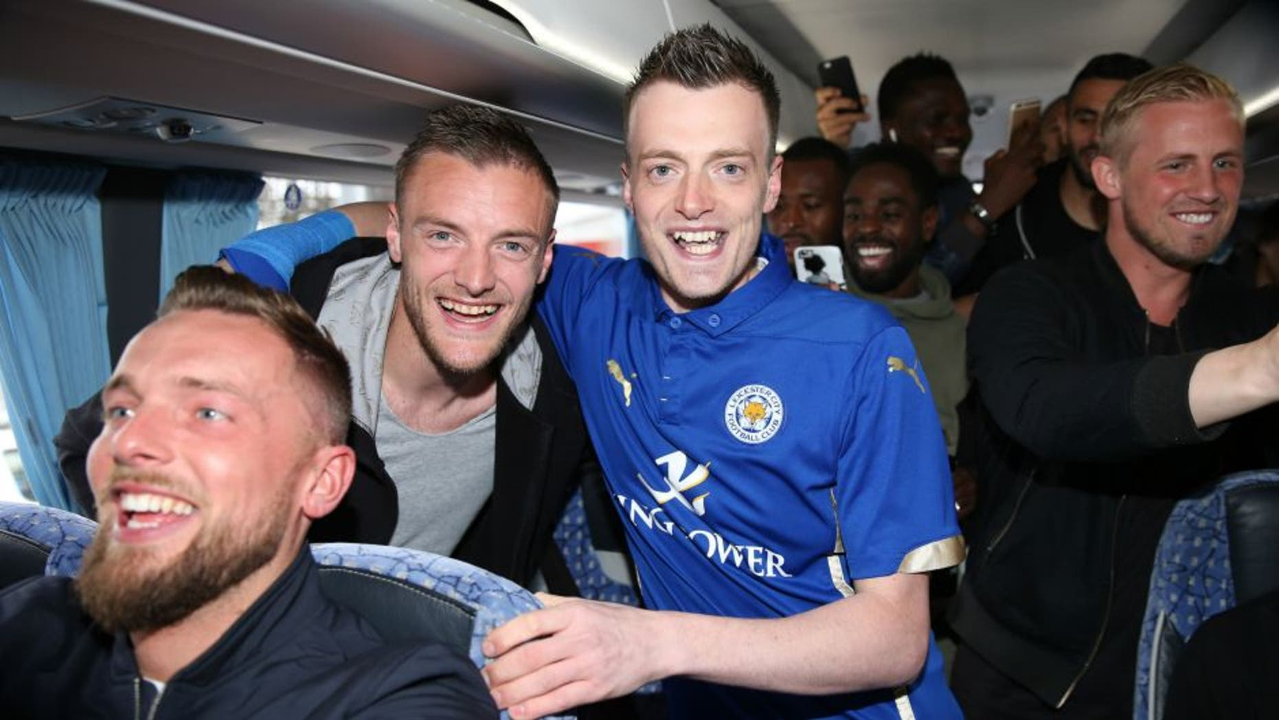 LEICESTER, ENGLAND - MAY 03: Jamie Vardy lookalike Lee Chapman joins Jamie Vardy and the Leicester City team on their way to a Premier League title celebration dinner on May 3, 2016 in Leicester, England. (Photo by Plumb Images/Leicester City FC via Getty Images)
