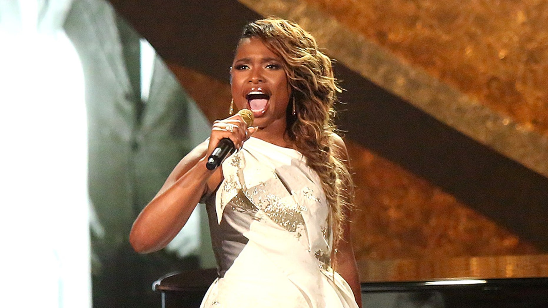 Jennifer Hudson will play Aretha Franklin in a movie about the late singer.