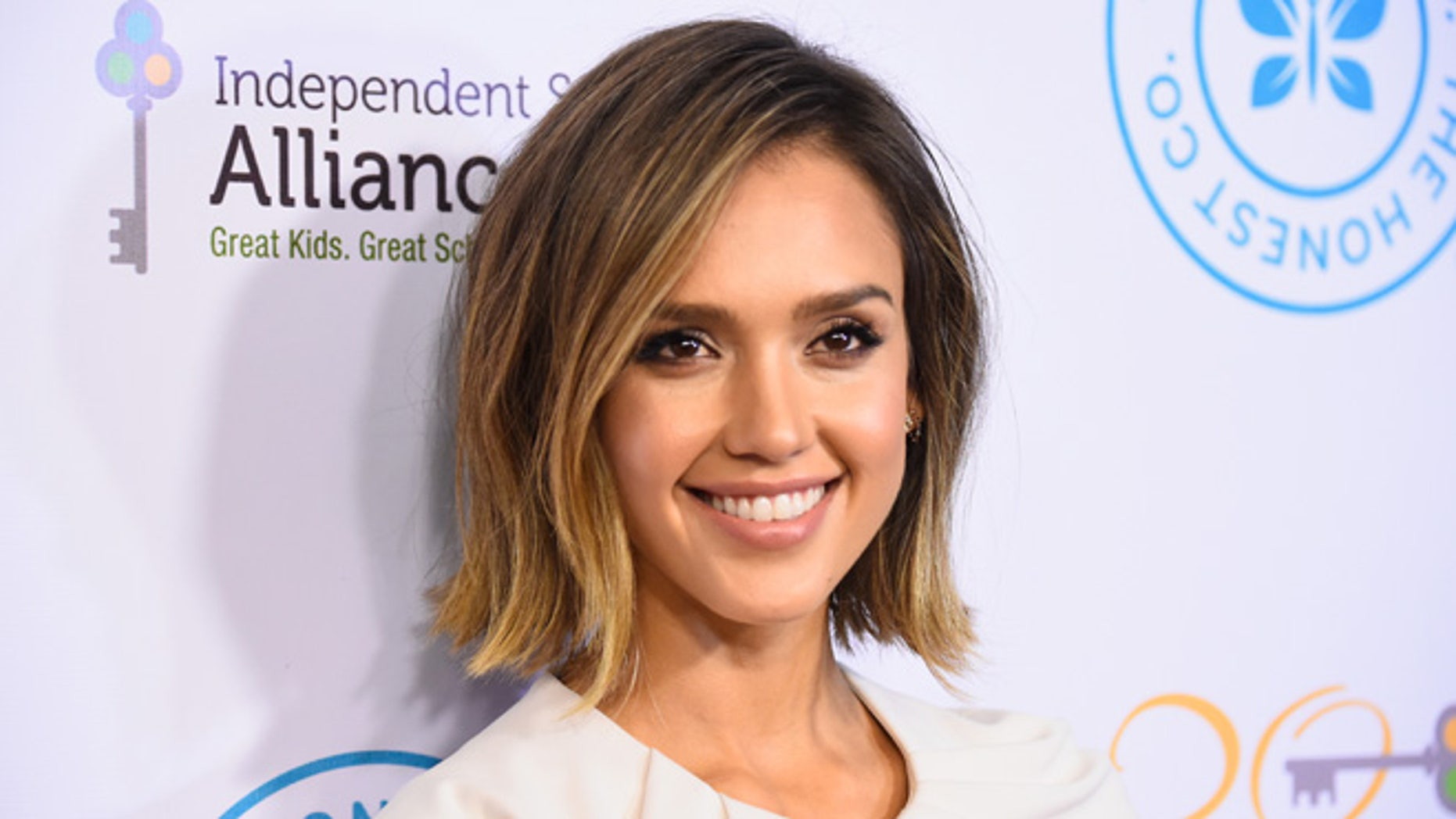 LOS ANGELES, CA - MARCH 17:  Actrees Jessica Alba  arrives at The Independent School Alliance For Minority Affairs Impact Awards Dinner - Arrivals at Four Seasons Hotel Los Angeles at Beverly Hills on March 17, 2015 in Los Angeles, California.  (Photo by Frazer Harrison/Getty Images)