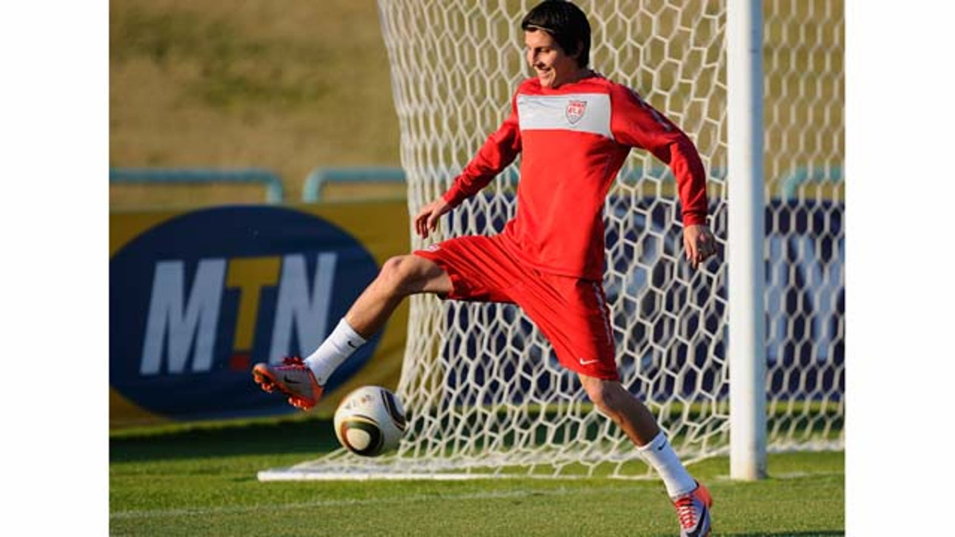 PRETORIA, SOUTH AFRICA - JUNE 24:  Jose Torres of USA controls the ball during training session on June 24, 2010 in Pretoria, South Africa. United States will play their second round World Cup match against Ghana on Saturday, June 26, 2010, at Royal Bafokeng Stadium in Rustenburg, South Africa.  (Photo by Kevork Djansezian/Getty Images)
