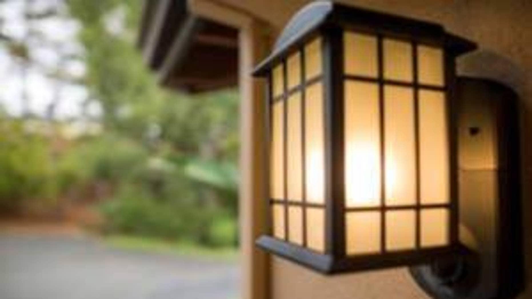 Kuna light fixture.