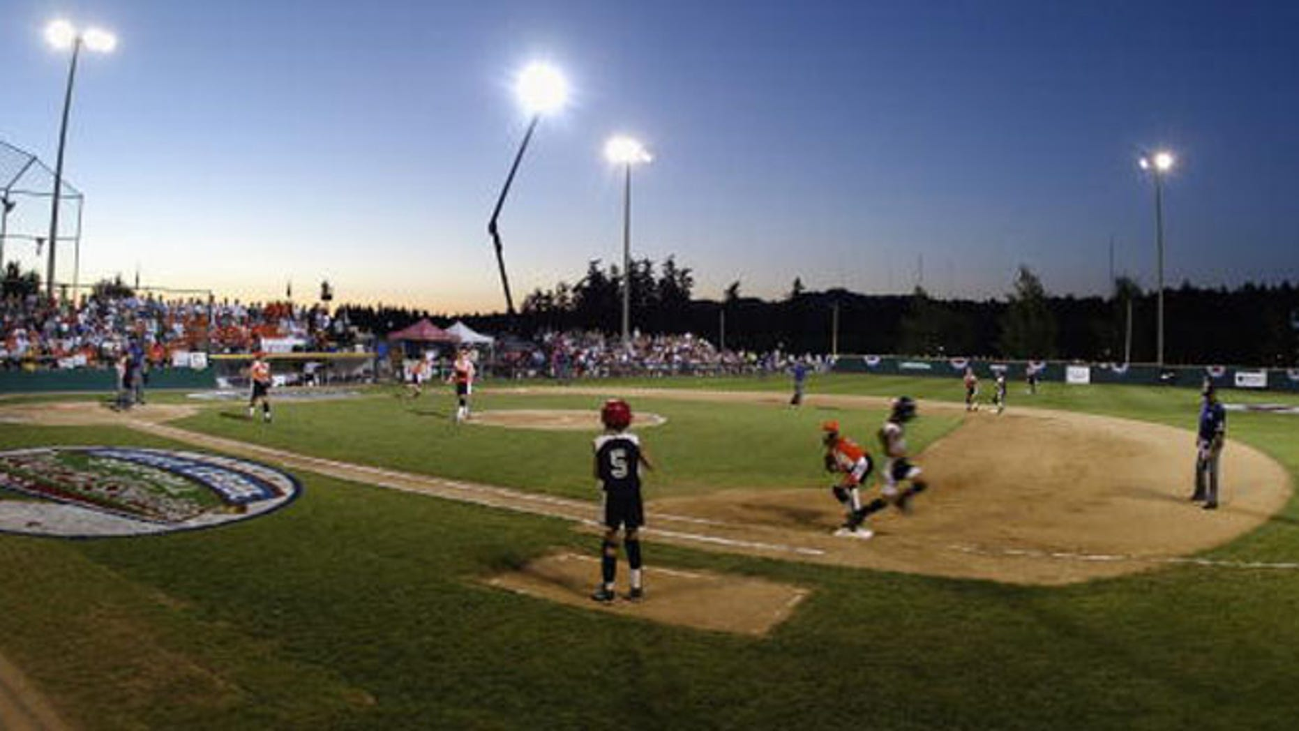PORTLAND, OR - AUGUST 13:  A general view of the Little League Softball World Series Championship game between the Southwest (Waco, TX) and the South (Naples, FL) at Alpenrose Dairy Field on August 13, 2003 in Portland, Oregon.  Southwest defeated South 16-10.  (Photo by Jonathan Ferrey/Getty Images)