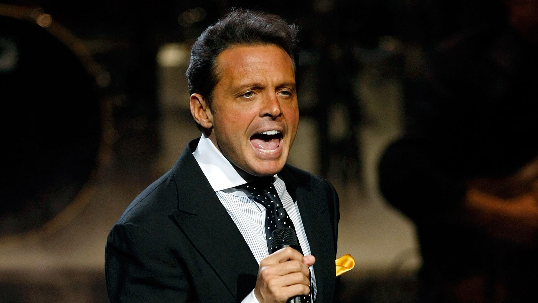 LAS VEGAS - SEPTEMBER 15:  Singer Luis Miguel performs during the first of four sold-out shows at The Colosseum at Caesars Palace September 15, 2010 in Las Vegas, Nevada. Miguel released a self-titled studio album on September 14.  (Photo by Ethan Miller/Getty Images)