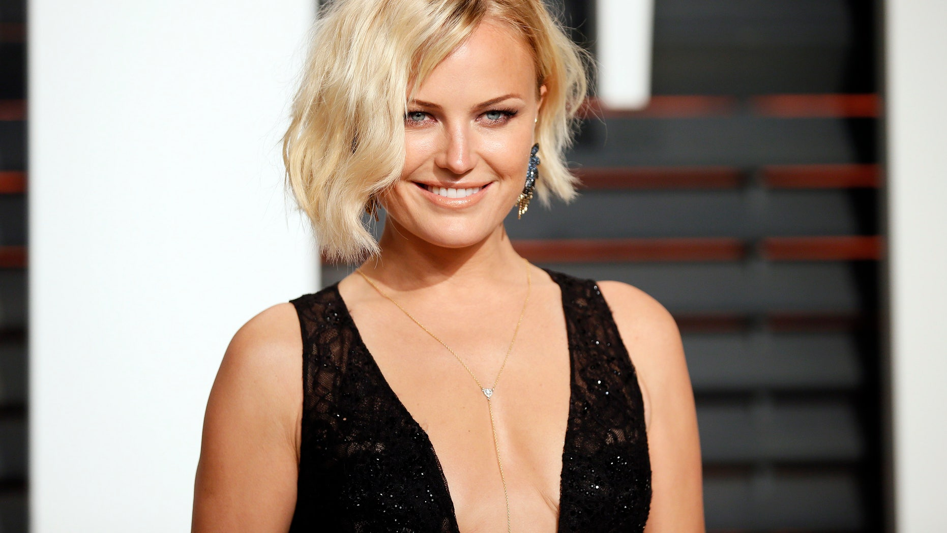 Actress Malin Akerman arrives at the 2015 Vanity Fair Oscar Party in Beverly Hills, California February 22, 2015. REUTERS/Danny Moloshok (UNITED STATES - Tags:ENTERTAINMENT) (VANITYFAIR-ARRIVALS) - RTR4QQI5