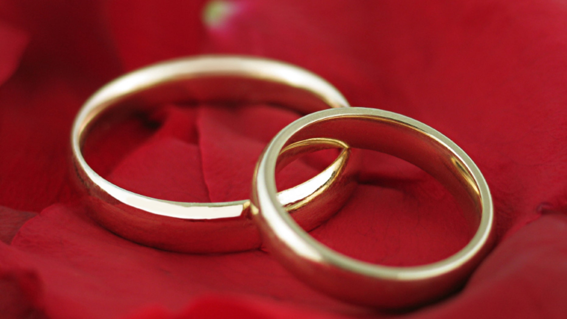 Watch 10 Interesting Facts About Marriage video