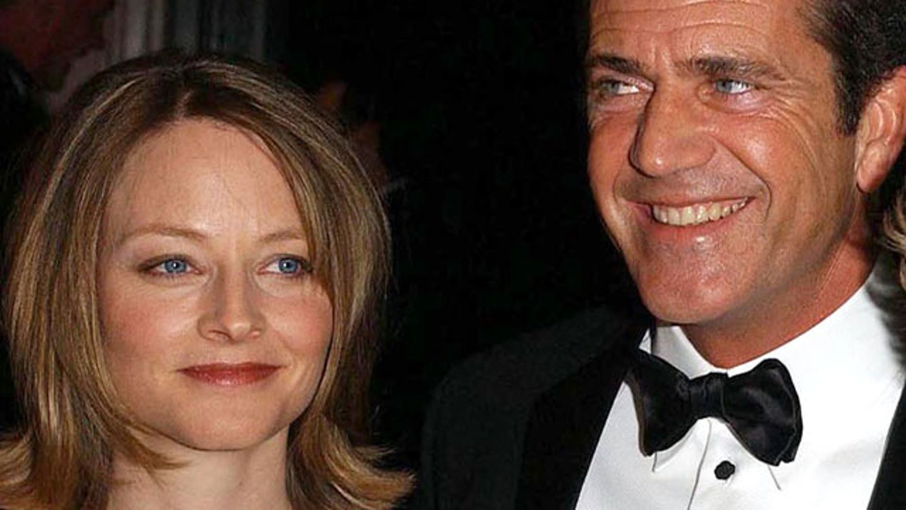 July 2002 File: Jodie Foster and Mel Gibson attend the 17th Annual American Museum of the Moving Image Salute Awards in New York. (Reuters)