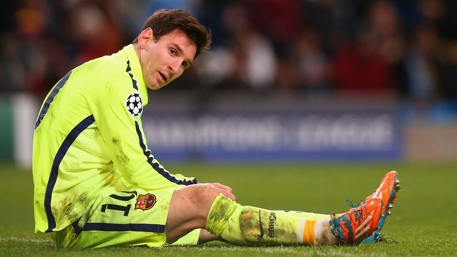 MANCHESTER, ENGLAND - FEBRUARY 24:  Lionel Messi of Barcelona lies on the pitch after his penalty iwas saved by Joe Hart of Manchester City during the UEFA Champions League Round of 16 match between Manchester City and Barcelona at Etihad Stadium on February 24, 2015 in Manchester, United Kingdom.  (Photo by Alex Livesey/Getty Images)