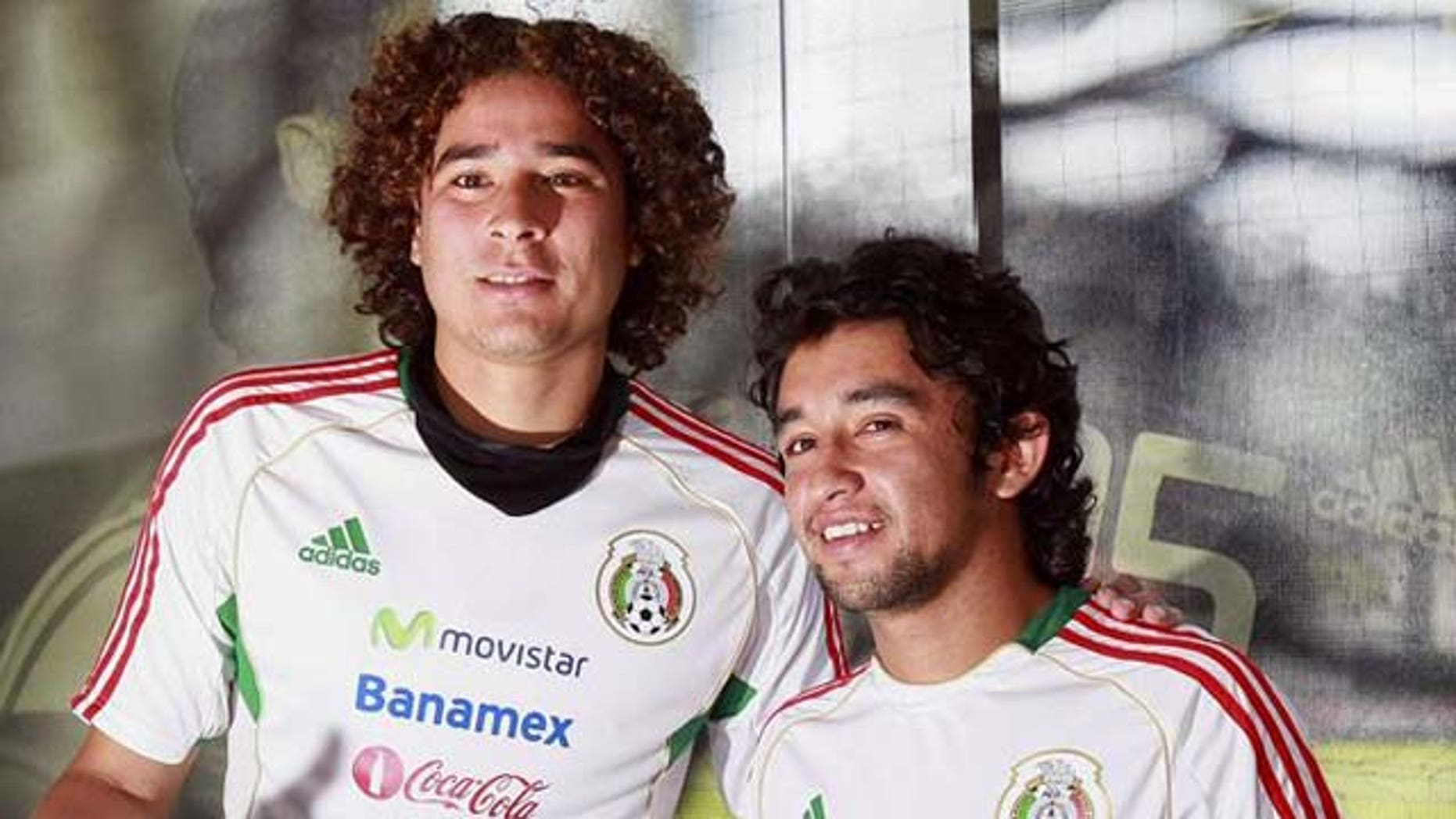 Second doping test of Mexican soccer players comes back clean Goalkeeper Guillermo Ochoa (left) and midfielder Christian Bermudez at a Mexican national soccer team practice. EFE/File