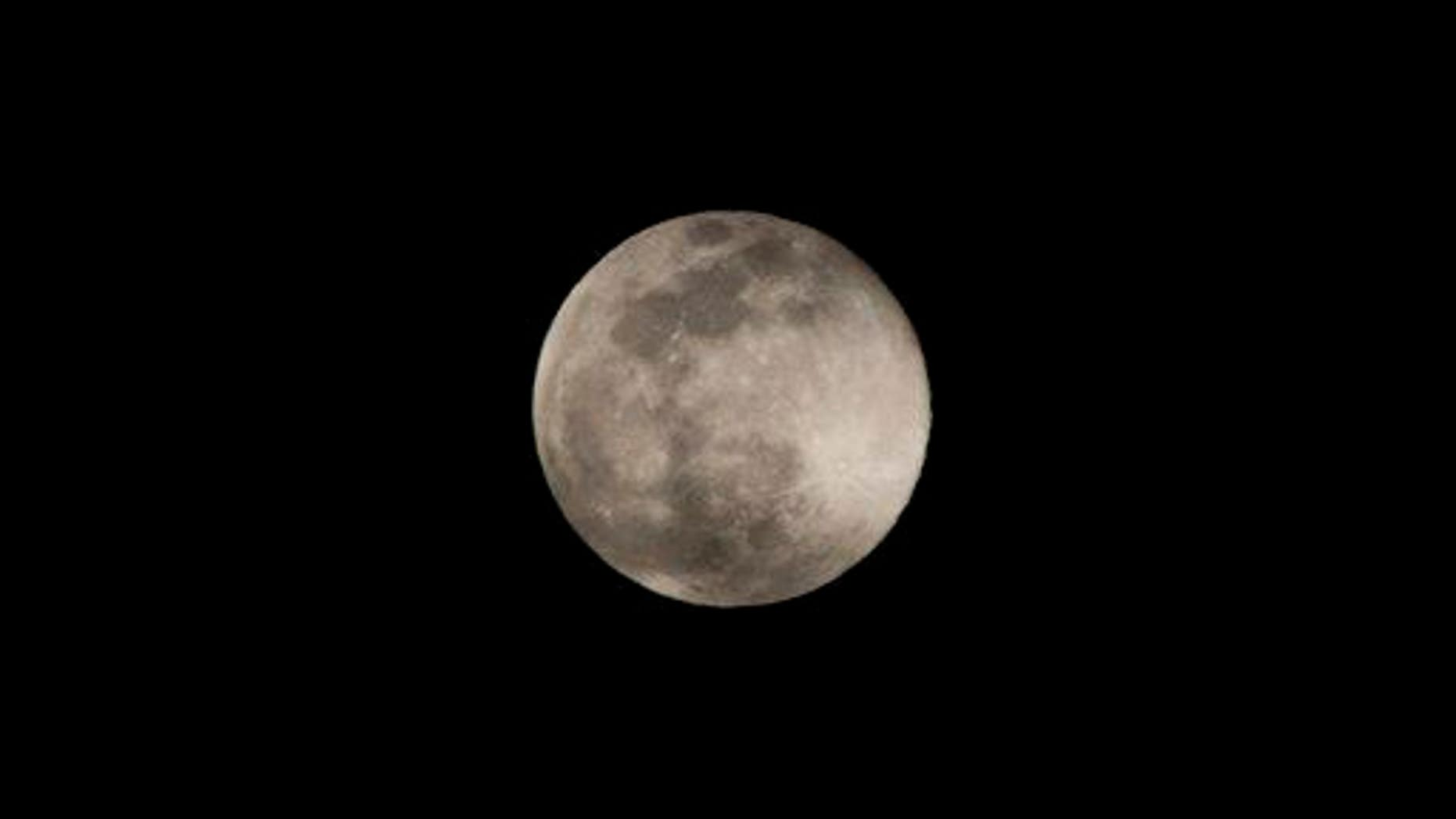 A full moon. Any fossils up there?