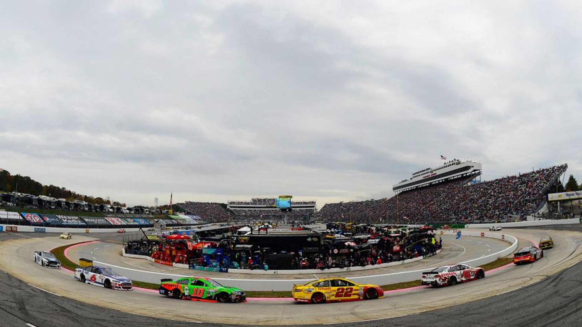 MARTINSVILLE, VA - NOVEMBER 01: A view of cars racing during the NASCAR Sprint Cup Series Goody's Headache Relief Shot 500 at Martinsville Speedway on November 1, 2015 in Martinsville, Virginia. (Photo by Robert Laberge/Getty Images)