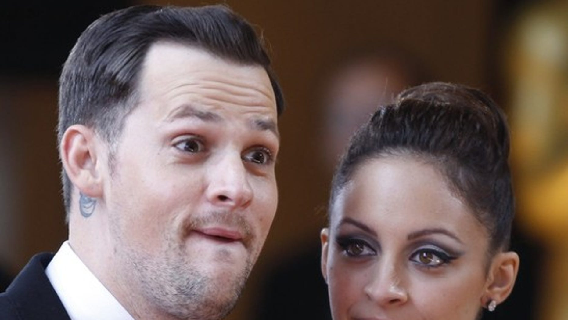 Nicole Richie and her fiancee musician Joel Madden arrive at the 82nd Academy Awards in Hollywood, March 7, 2010.   REUTERS/Lucas Jackson   (UNITED STATES)   (OSCARS-ARRIVALS - Tags: ENTERTAINMENT HEADSHOT)