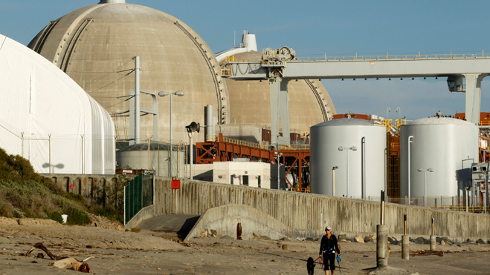 FILE: March 14, 2011: The San Onofre Nuclear Generating Station, on the shore of the Pacific Ocean in North San Diego County, California .