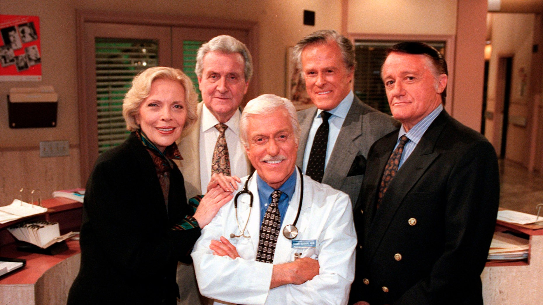 "FILE - In this Oct. 16, 1997 file photo, Dick Van Dyke, center, poses with his guest stars, from left, Barbara Bain, Patrick Macnee, Robert Culp and Robert Vaughn, on ""Diagnosis Murder"" during a break on the set of the CBS series in the Van Nuys section of Los Angeles."