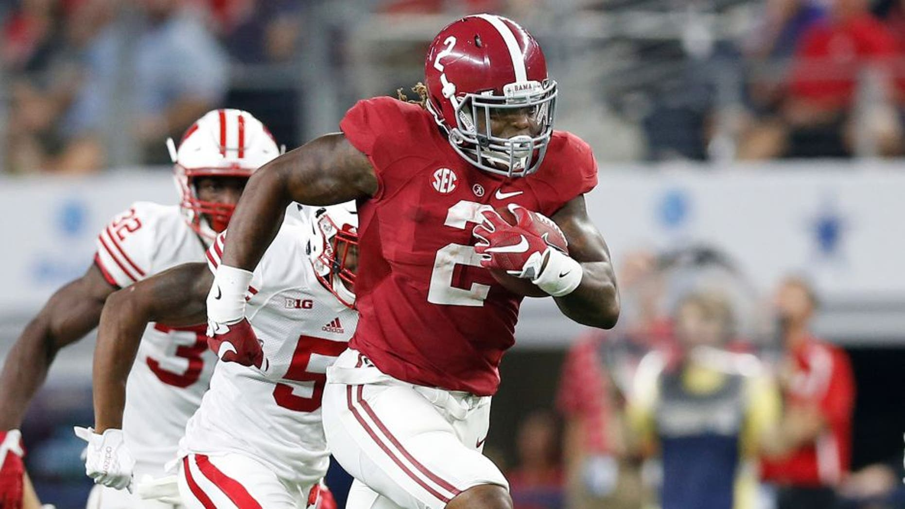 Sep 5, 2015; Arlington, TX, USA; Alabama Crimson Tide running back Derrick Henry (2) runs with the ball for a third quarter touchdown against the Wisconsin Badgers at AT&T Stadium. Mandatory Credit: Matthew Emmons-USA TODAY Sports