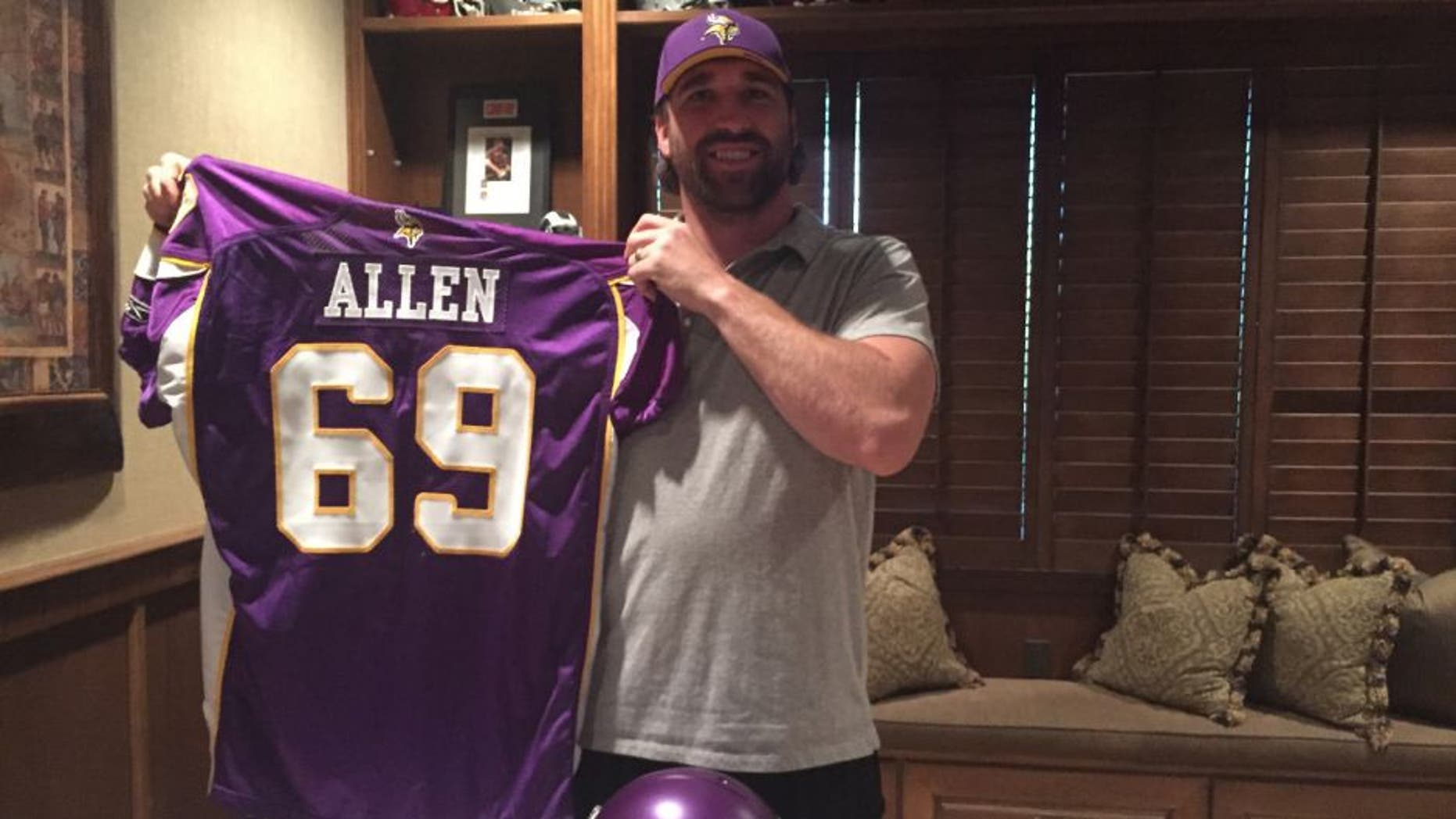 Jared Allen will officially retire as a member of the Minnesota Vikings, after spending six seasons with the team.