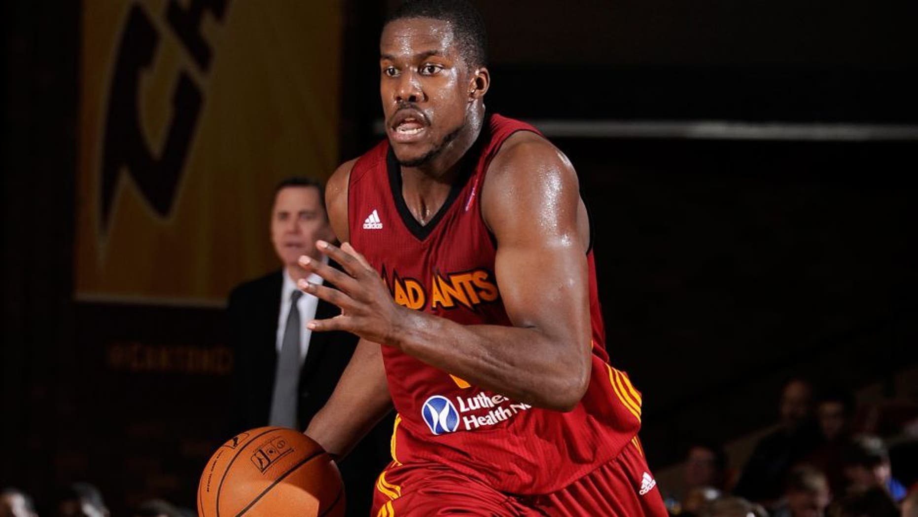 Report: Warriors sign Tony Mitchell to a training camp deal