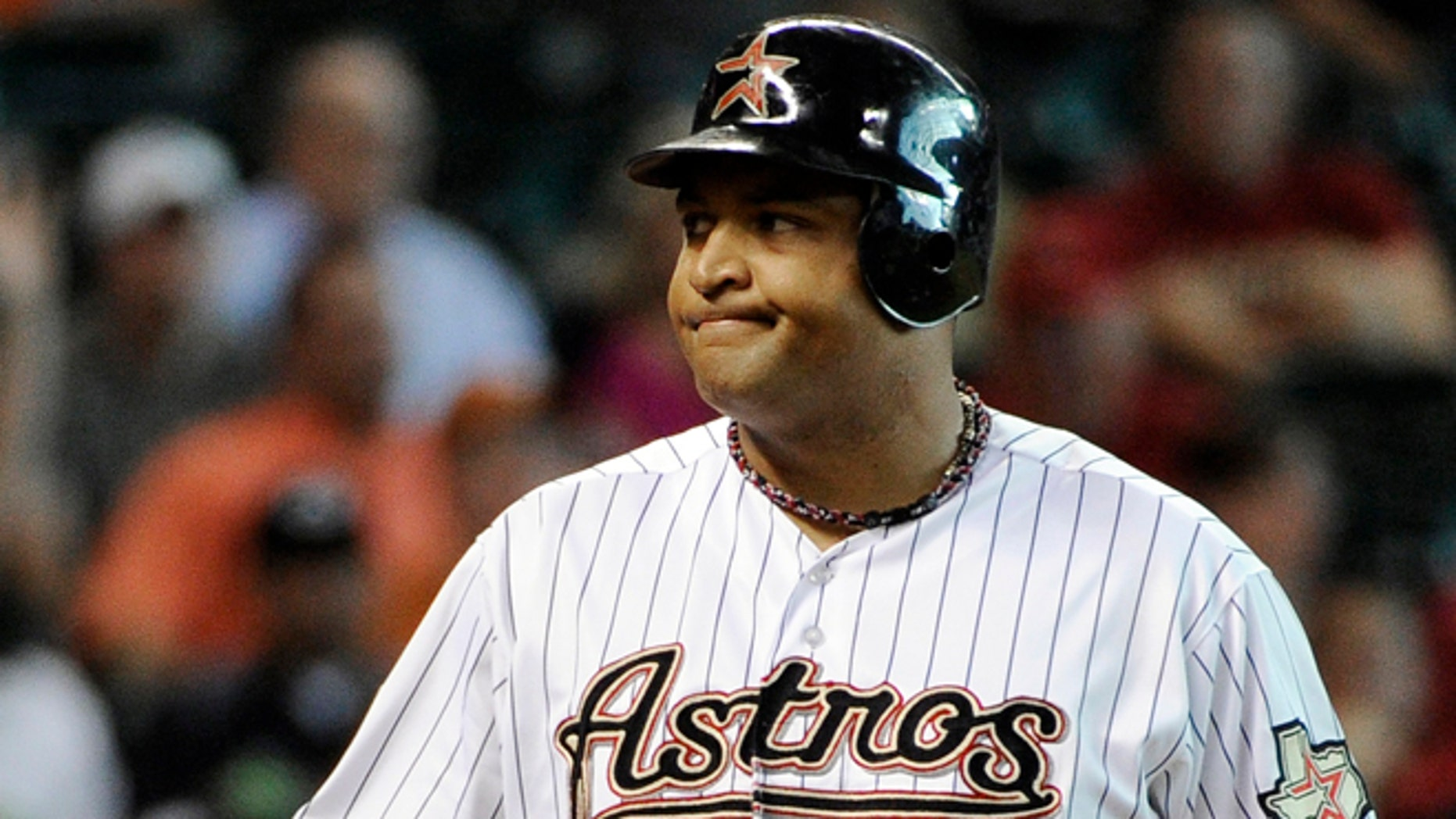 Houston Astros' Carlos Lee will not be traded to the Dodgers.