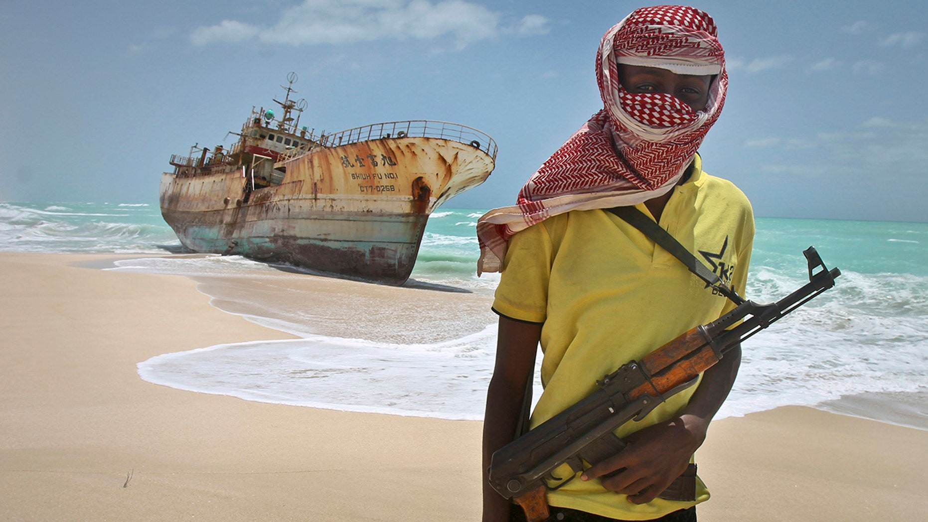 Pirates have kidnapped the 12 crew members of a Swiss cargo ship off Nigeria.