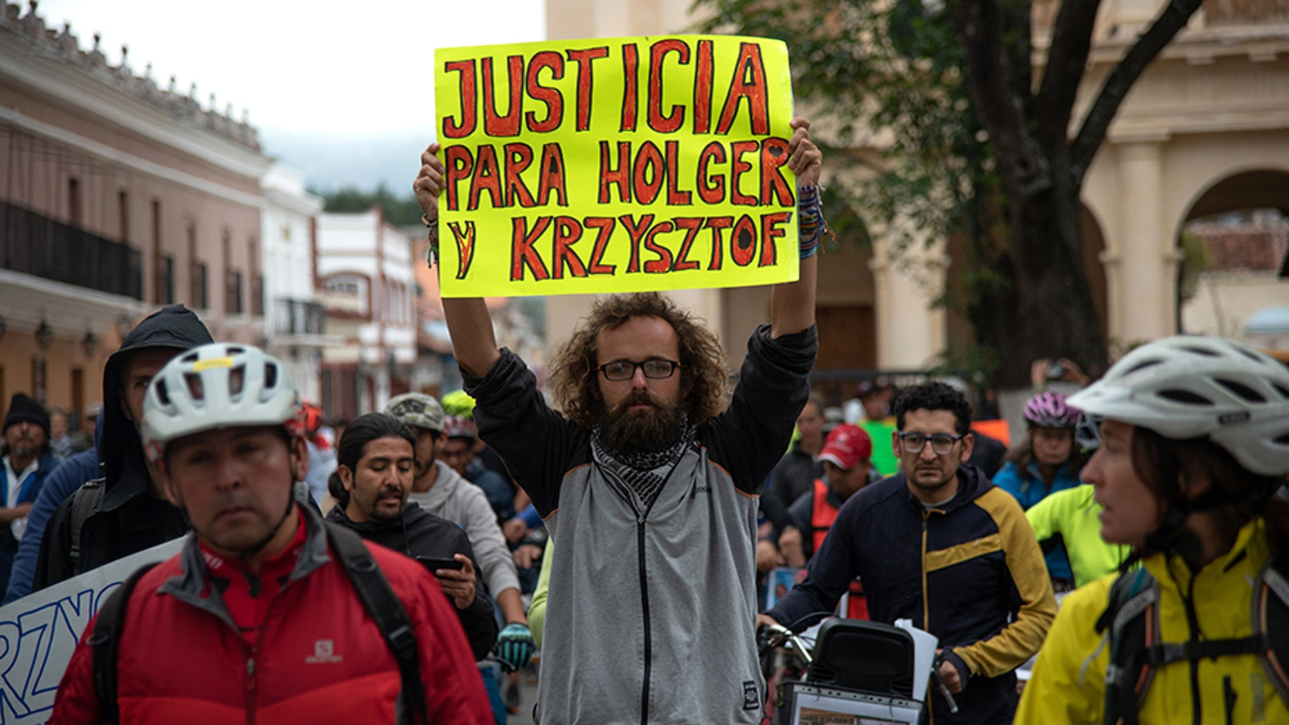 Friends of Holger Franz Hagenbusch and Krzysztof Chmielewski-Podroznik, cyclists who disappeared in the Mexican state of Chiapas, held a rally May 6 in San Cristobal de las Casas.