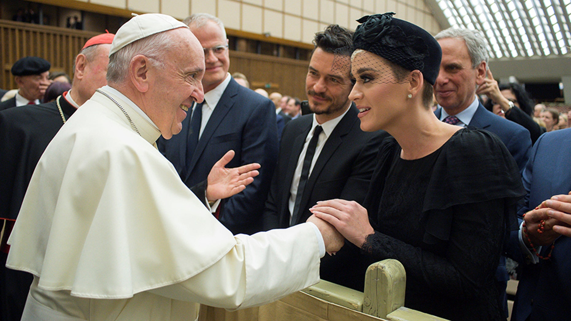 "Pope Francis meets singer Kate Perry during the ""United to Cure"" international conference on the cure for cancer in the Paul VI hall, at the Vatican, April 28, 2018."