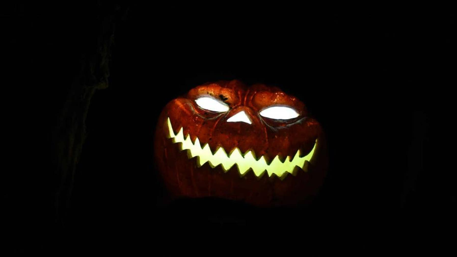 Tips for a safe and happy Halloween. (Carmen Jaspersen/AP Images)